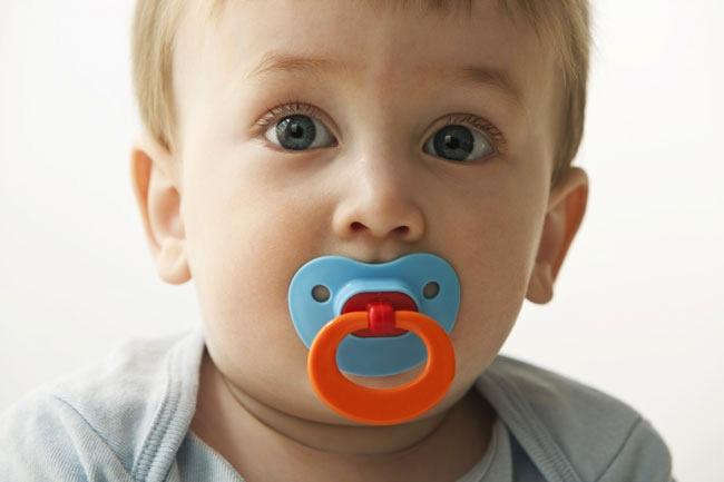 Ciucciotto per i bambini: effetti utili, quale scegliere e quando toglierlo